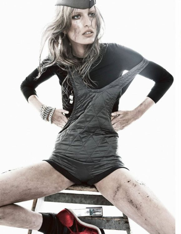 Karolina Kurkova Vogue Spain January 2011 6