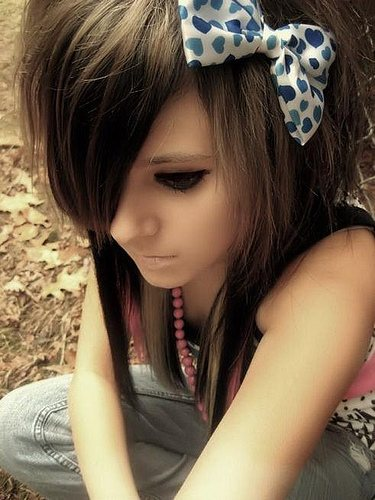 cute-emo-scene-girl hair bow