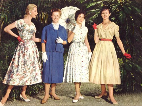 s Fashion. From a fashion point of view, this was the rise of the 'ready to wear' phenomenon. Clothing was now being manufactured 'en mass' and with greatly improved standards in .