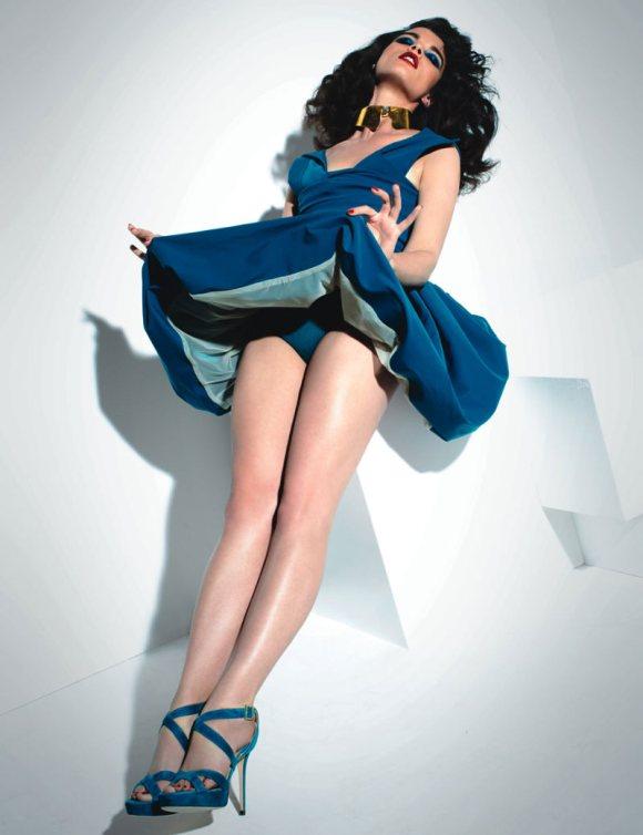 Crystal Renn Vogue Mexico April 2011-5