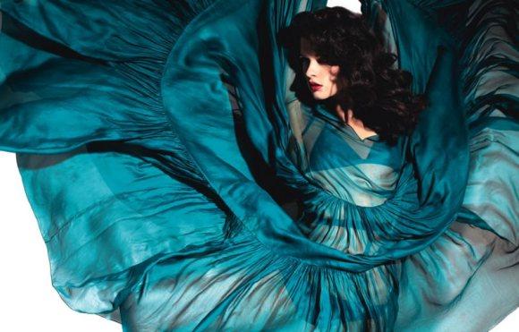 Crystal Renn Vogue Mexico April 2011-8