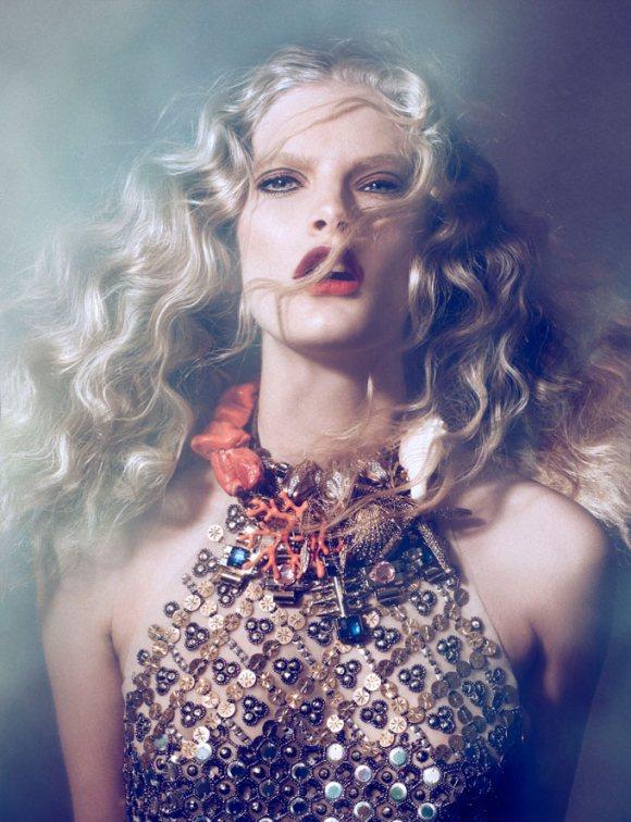 Ilse de Boer Vogue Portugal April 2011 7.jpg