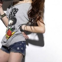 Trendy T-Shirts for your denim shorts