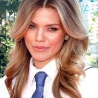 AnnaLynne McCord hairstyle