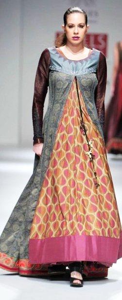 Designer Ashish Viral Vikrant A-W 2011-1