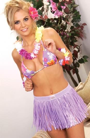 How To Dress Hawaiian
