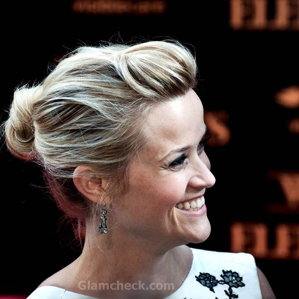 Reese Witherspoon loose bun hairstyle