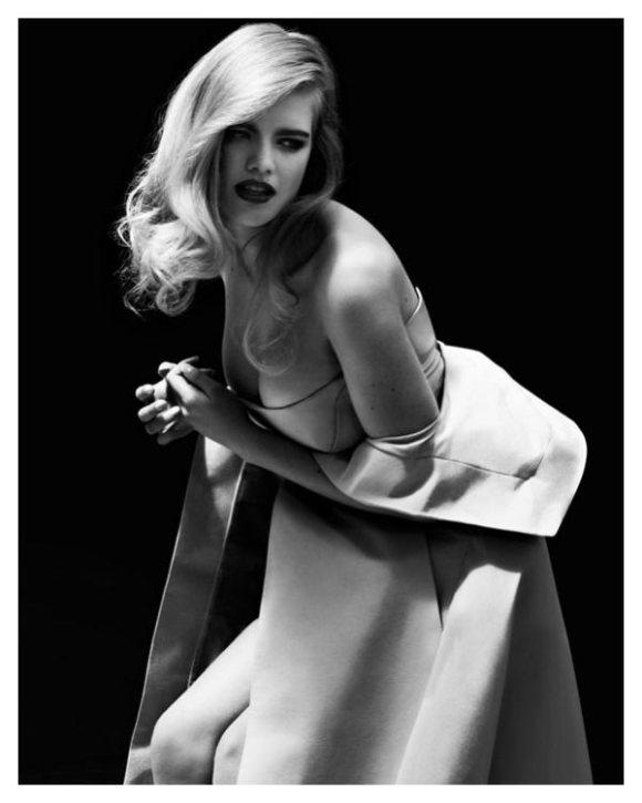 Valerie van der Graaf Vogue Turkey April
