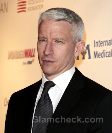 Anderson Cooper to host the 2011 CFDA Awards