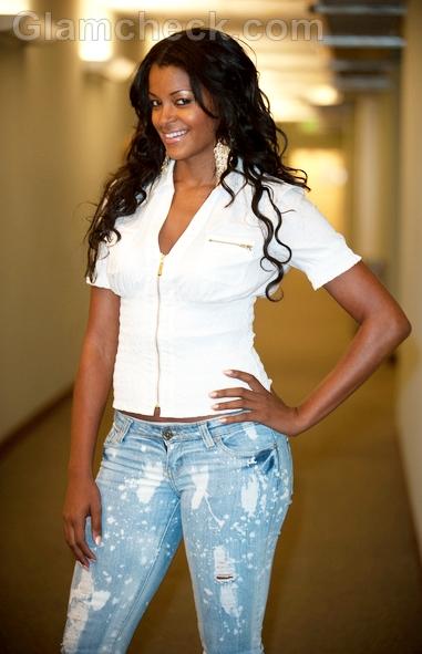 Celebrity-style-Claudia-Jordan-summer-chic