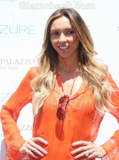 Celebrity-summer-look-Giuliana-Rancic-orange-beach-cover-up
