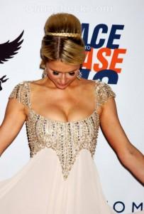 Paris Hilton gorgeous in Tony Ward couture gown