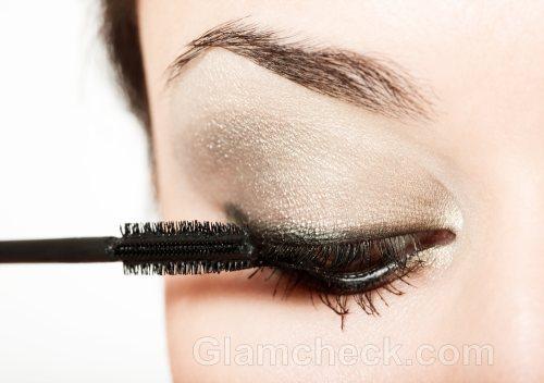 applying mascara properly