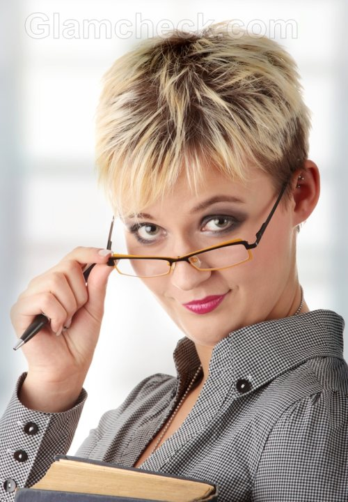 business woman hairstyle Spiked short hair