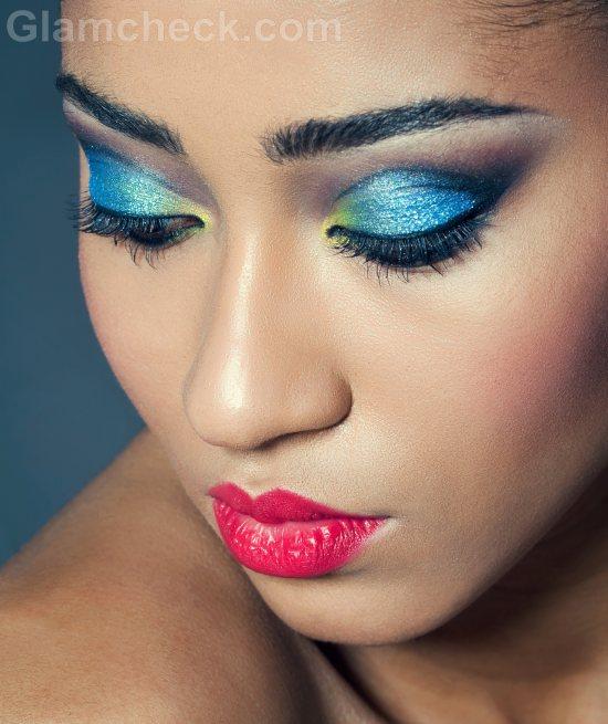 Blue-eye-makeup-9