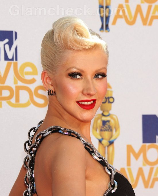 Christina Aguilera hairstyle – 50s Rock n Roll