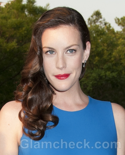 LIv-Tyler-Vintage-Hairstyle