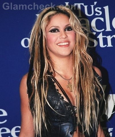 Shakira Hairstyles blonde hair black streaks-2