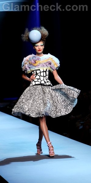 Christian Dior-Haute Couture Fall-Winter 11-12-3