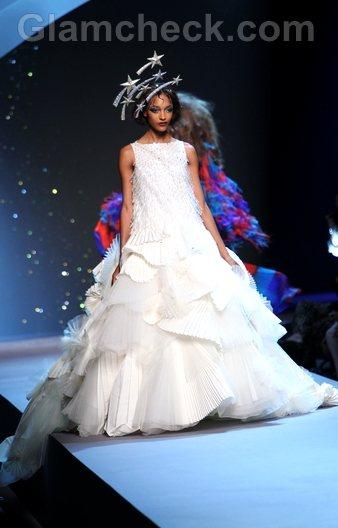 Christian Dior-Haute Couture Fall-Winter 2011-12-11
