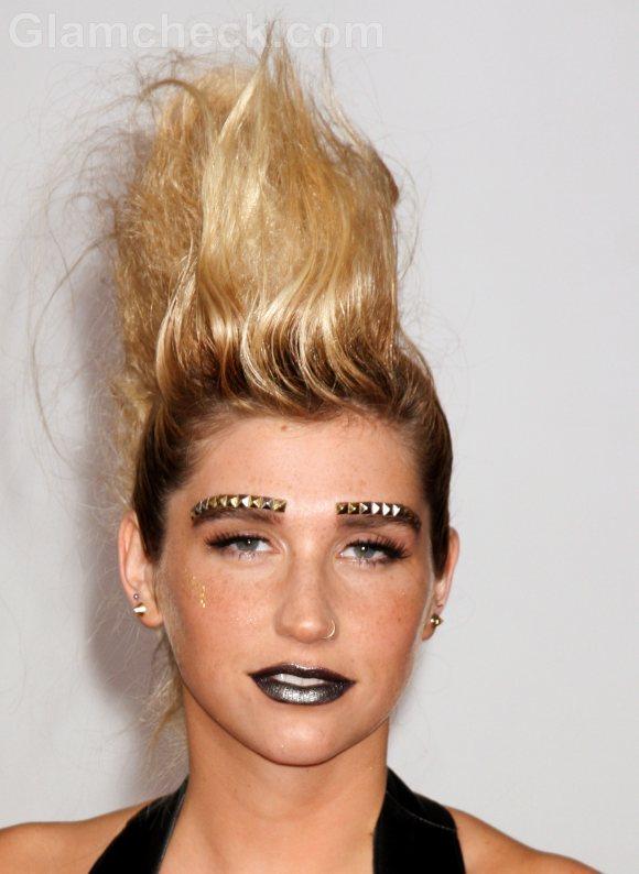 Kesha Makeup Dramatic Mohawk Hair