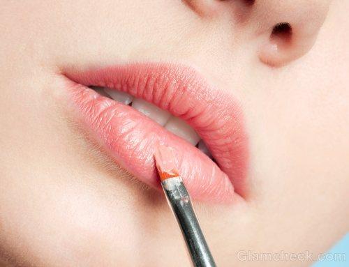 Retractable Lipstick Brush