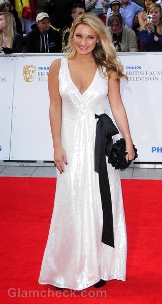 Sam-Faiers-white-gown