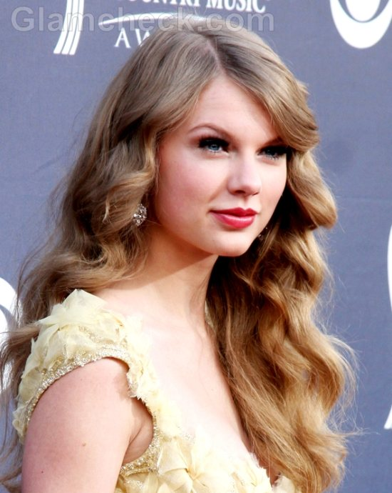 Taylor Swift Hairstyle-2