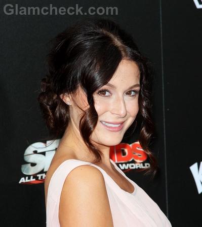 Alexa-Vega-Celebrity-curly-hairstyle-trend
