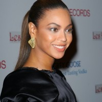 Beyonce-Hairstyles-Updo-Ponytail-1