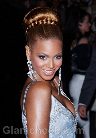 Beyonce-Hairstyles-Updo-Ponytail-4