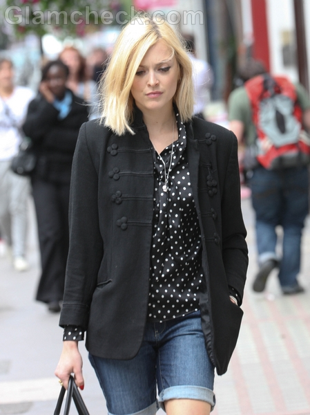 Fearne-Cotton-in-Black-Jacket-and-Denim-Shorts