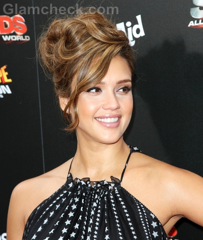 Jessica-Alba-Celebrity-curly-hairstyle-trend