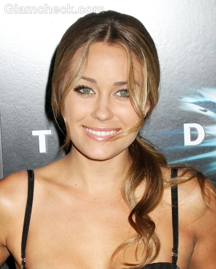 Lauren-Conrad-Hairstyle-Side-Swept-Ponytail-2