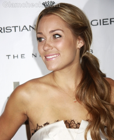 Lauren-Conrad-Hairstyle-Side-Swept-Ponytail-3