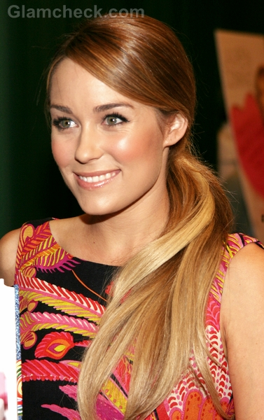 Lauren-Conrad-Hairstyle-Side-Swept-Ponytail-4