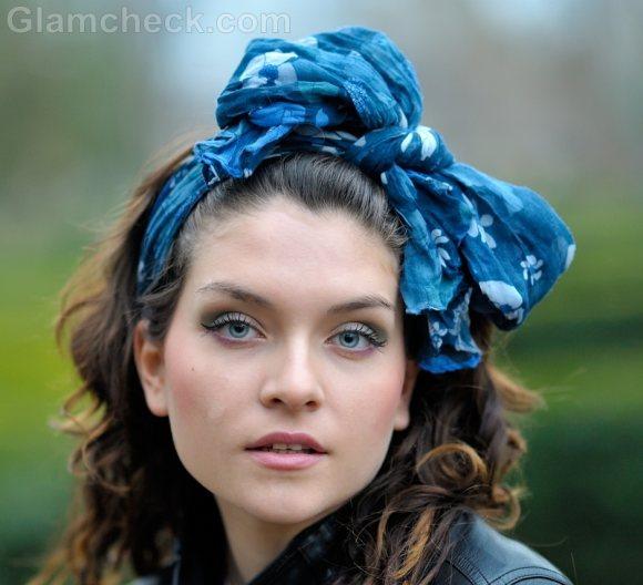 Wearing head scarf-3