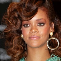 rihanna-side-swept-curly-hairstyle