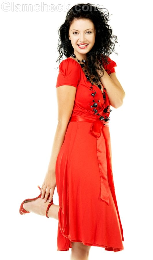 what to wear with red dress
