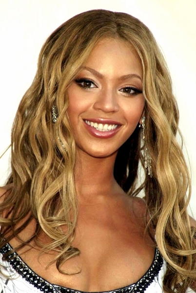 beyonce-curly-hairstyles-4