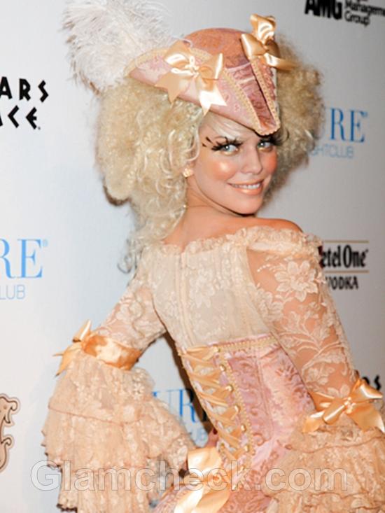 AnnaLynne-McCord-Halloween-costumee-2011