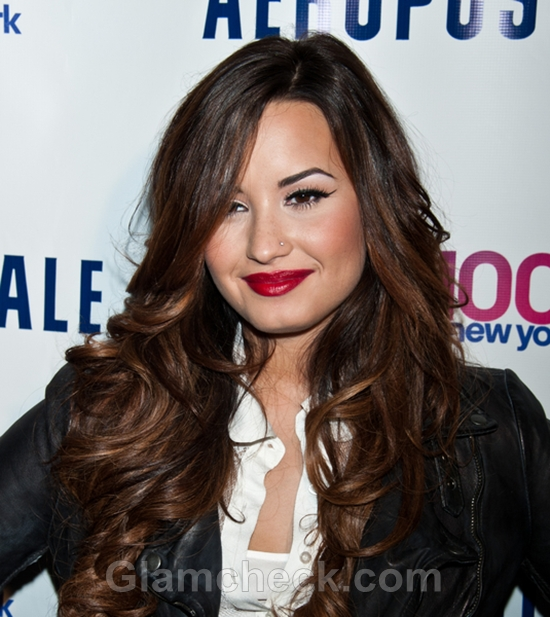 Demi-Lovato-Makeup-Hair-Sultry-Look