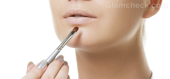 How to apply  Lip Concealer