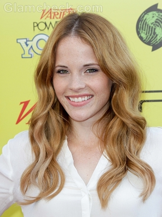 Katie-Leclerc-curly-hair