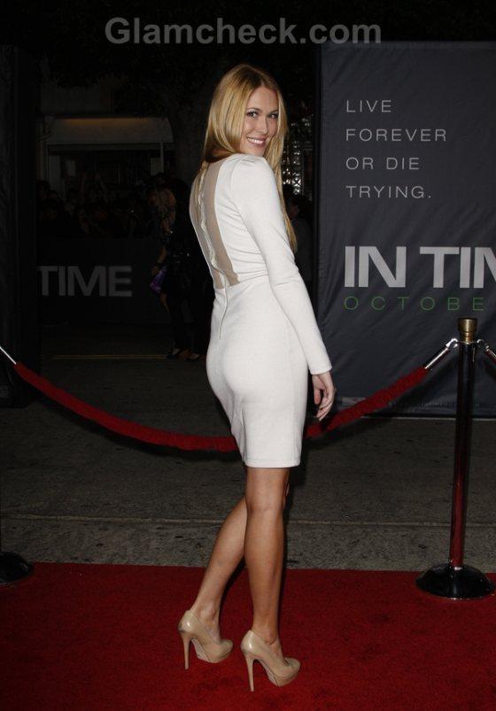 White Sheath dress Sarah Carroll Winsome