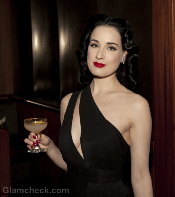 Dita Von Teese Gorgeous In A Revealing Gown