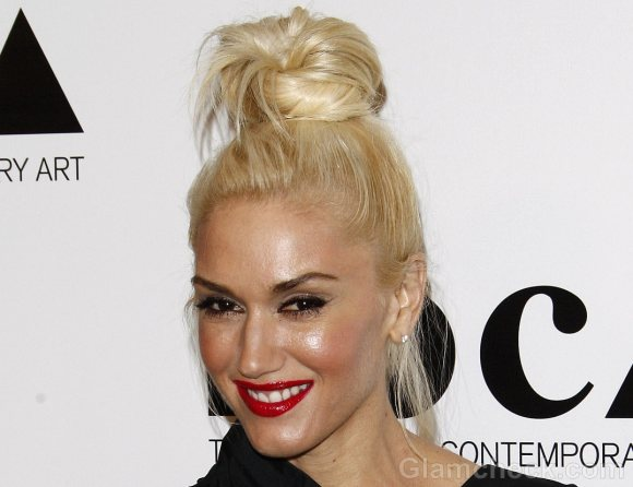 Gwen Stefani In Messy Top Bun hairstyle