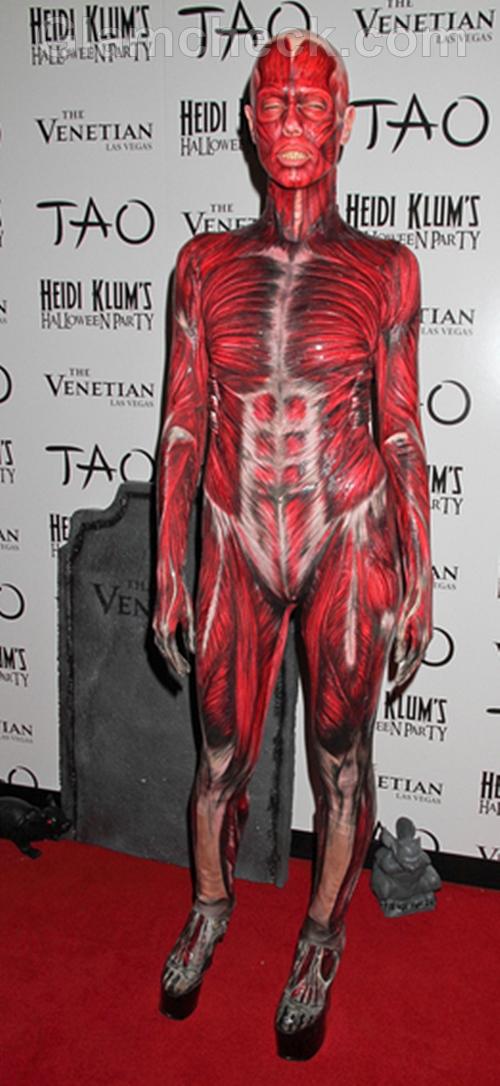 Heidi-Klum-look-Halloween-costume