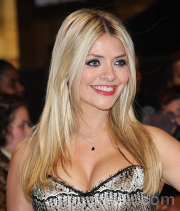 Holly Willoughby hair color