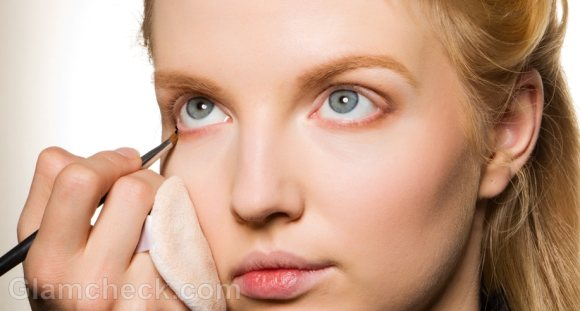 How to apply liquid eyeliner on lower lid